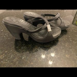 Crocs 8M Strappy Slide Sandals Like New!